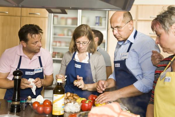 Leckere Hingucker Schritt für Schritt in den Kochevents für Firmen in Berlin erlernen